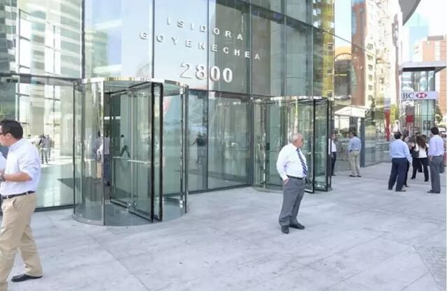 four-winged crystal manual revolving door