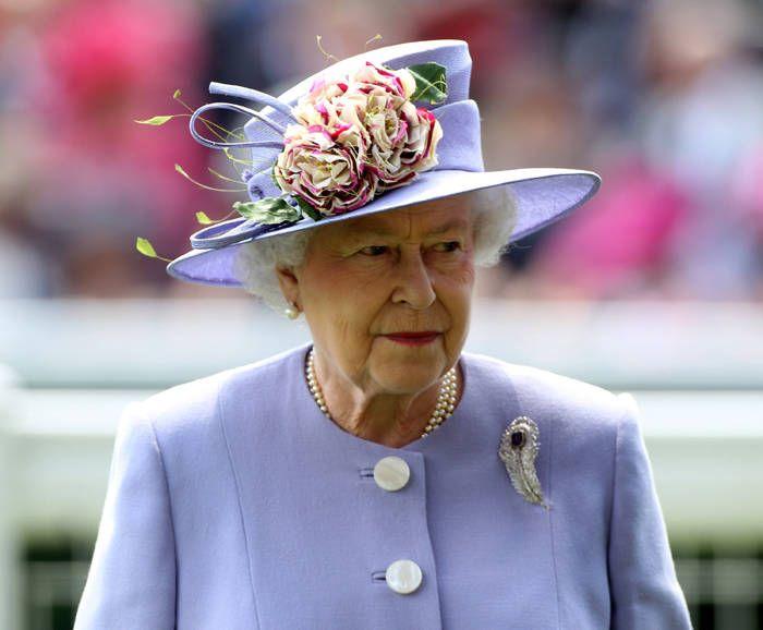 17 Best Images About Queen Elizabeth 39 S Hats On Pinterest