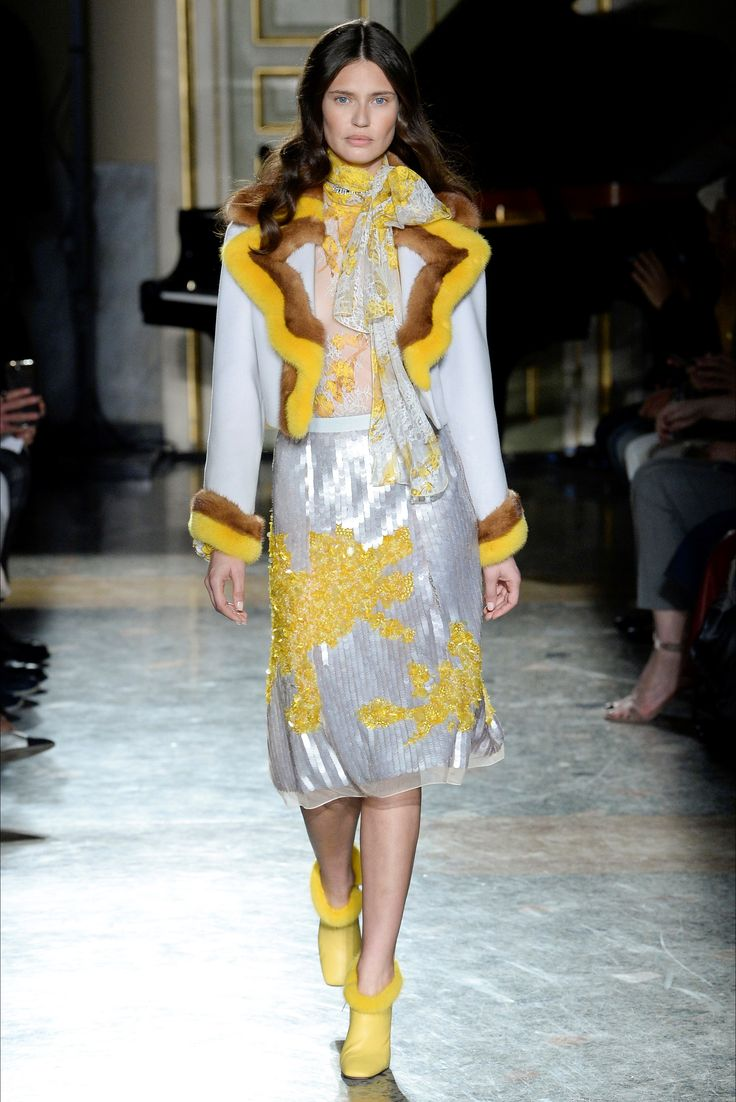 Blumarine Milano - Collections Fall Winter 2017-18 - Shows - Vogue.it