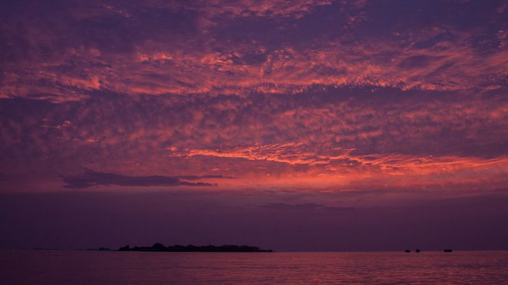 Sunset over Kuredu Island / Maldives by Nicklas Broberg Larsson on 500px
