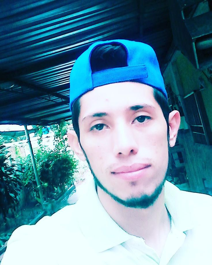 Bueno días     mi gente  mañana lluviosa que fino  #maracaibo #anime #selfie #may #instagram #barba #boy #home #despertado   #fashionablesundays #dapper #featuremenow #guyswithstyle #elegance #smiles #vergatario #siguemeytesigo by alexcastellanos12
