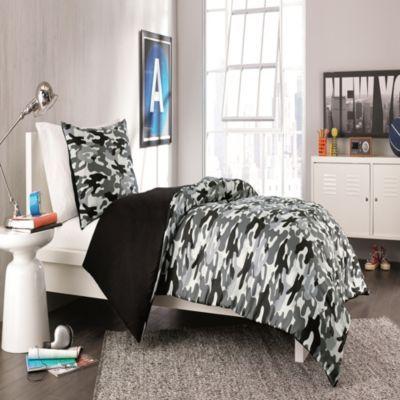 Derek Reversible Comforter Set In Black Bedbathandbeyond