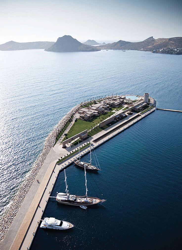 Emre Arolat expands Turkey's Yalikavak Palmarina for megayacht owners