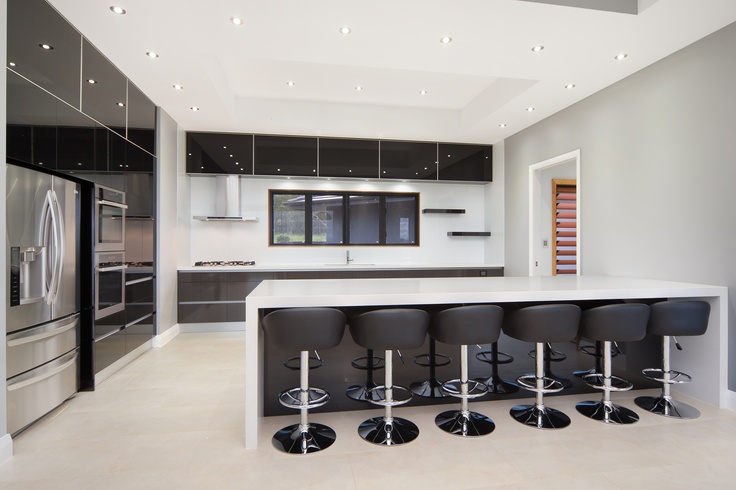 Contemporary Kitchen! Black 2pac!