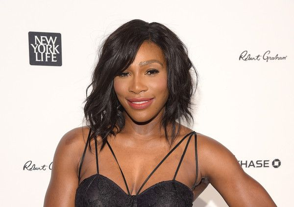 Serena Williams wore a gorgeous wavy hairstyle at the Sports Illustrated Sportsperson of the Year ceremony.