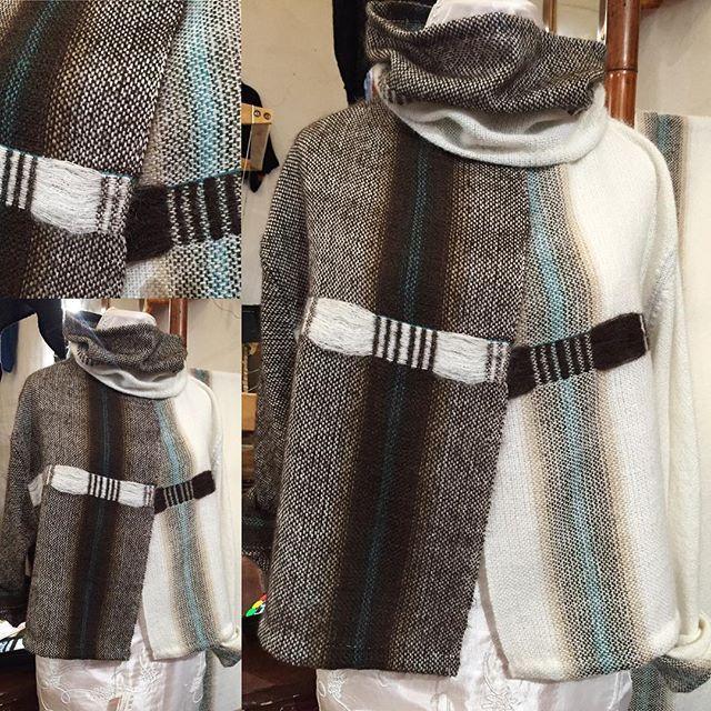 Maglione sweater handmade fatto a mano ...e alla fine di quest'ordito bianco è uscito questo 😄 #tessutoamano #handwoven #giacchino #sweater #bianco #white #marrone #brown