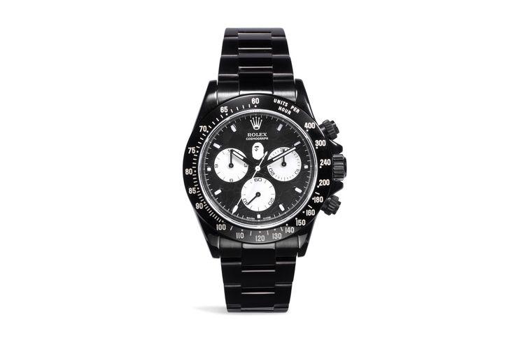 베이프(BAPE)와 롤렉스(Rolex)는 흔히 같은 선상에서 볼 수 있는 브랜드명이 아니다. 하지만 뱀포드 와치(Bamford Watch)는 세심한 커스터마이징으로 유명한 회사다. 이미지의 모델은 데이토나(Daytona)모델로 GMT 중 하나이다. 꿈 같은 협업이며 세심한 커스터마이징의 대표적인 예다. 역시 베이펙스(BAPEX)의 완성은 퀄리티 아니겠는가? (자세한 내용은 홈페이지를 통해 확인할 수 있습니다.) #베이프 #BAPE #롤렉스 #Rolex #베이펙스 #BAPEX #뱀포드와치