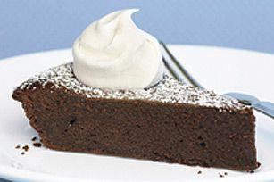 Quand une envie de chocolat nous prend, rien ne vaut une garniture chocolatée bien dense comme celle de ce dessert succulent! Voilà une tarte exquise qui satisfera vos fringales à coup sûr.