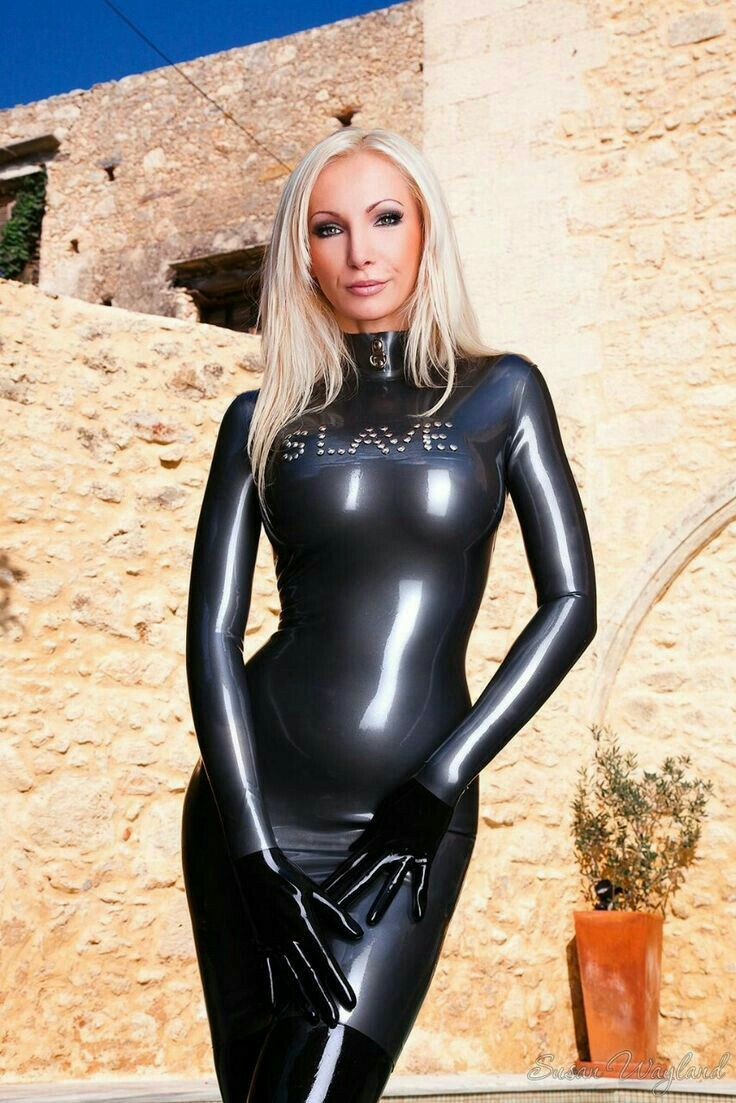 girl latex asu