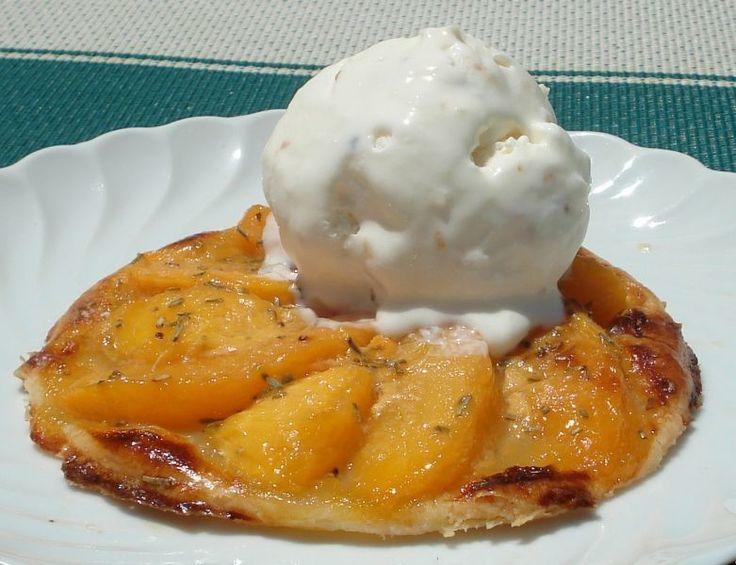 "#menú #postre #Tartaletas de nectarina --> https://www.petitchef.es/recetas/postre/tartaletas-de-nectarina-fid-1562166?utm_content=buffer27bdd&utm_medium=social&utm_source=pinterest.com&utm_campaign=buffer Gracias ""Saltamontes"""