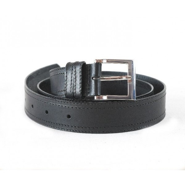 Leather belt decorated with two rows of mechanical stitching, 40 mm width.