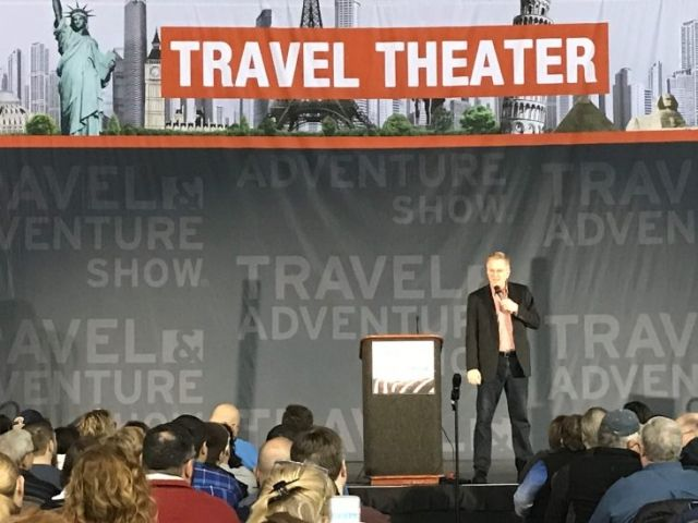 Philly Blogger writes about her treks through the city. In this article, she talks about her visit to the Travel & Adventure Show and raves about my 'stealth luggage' that unfolds into wearable luggage.