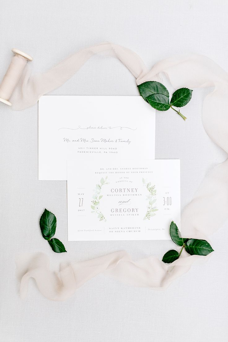 simple neutral wedding invitations | Photography: Emily Wren Photography