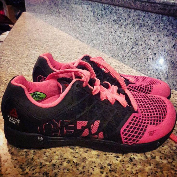 Mis nuevos bebés  gracias ñañito @carangel_10 me encantaron #shoes #pink #crossfit  #xfit #girl #crossfitgirls #gift #brother #inlove #lovemyshoes  by kathrangel