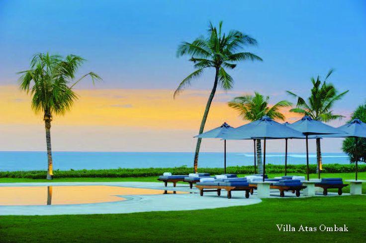 Villa Atas Ombak - Seminyak Batu Belig - 5 Bedrooms - Surrounding : Beachfront  http://www.beyondvillas.com/villa-for-wedding/8/villa-atas-ombak