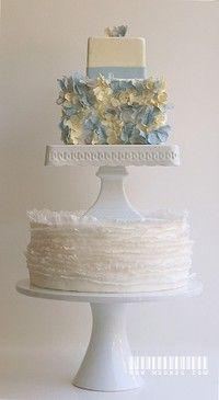 pastel de dos pisos: Blue Hydrangeas, Austin Cakes, Wedding Photo, Ruffles Cakes, Blue Cakes, Wedding Cakes, White Cakes, Maggie Austin, Cakes Stands