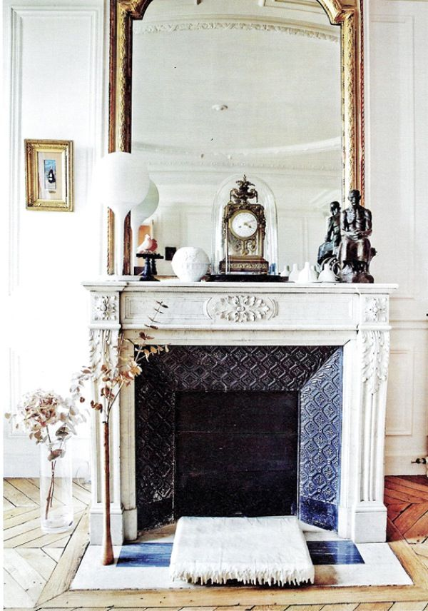 love the large mirror over the mantel