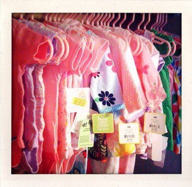 Ropita de segunda: cómo cuidarla y organizarla | Blog de BabyCenter