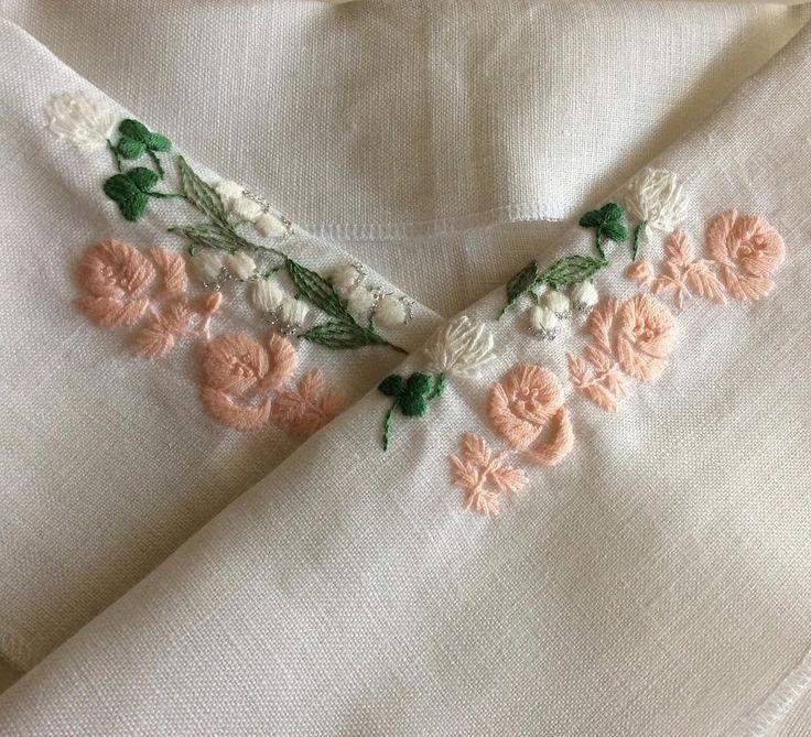 サテンステッチが多いので大変だったけど仕上がりました #オーダー半衿 #刺繍 #半衿 #着物