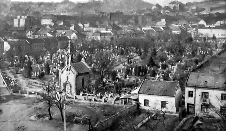 Račko cintorín kaplnka pôvodný záber veľmi zlý, ťažko viac upraviť.