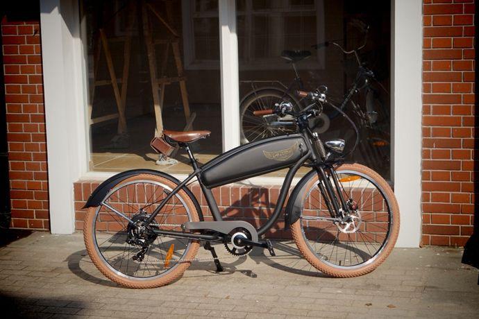Ariel Rider Classic Bike   Man of Many