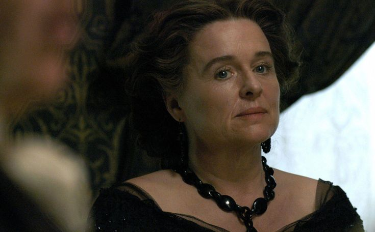 Sinéad Cusack, Mrs. Hannah Thornton -  North & South directed by Brian Percival (TV, Mini-Series, BBC, 2004) #elizabethgaskell