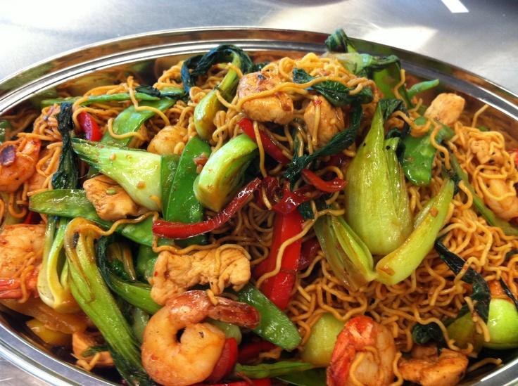 Chicken and shrimp stir fried noodles