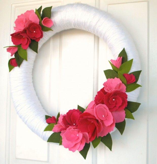 25 Outstandingly Cute Handmade Valentine's Wreath Designs | Pinkous