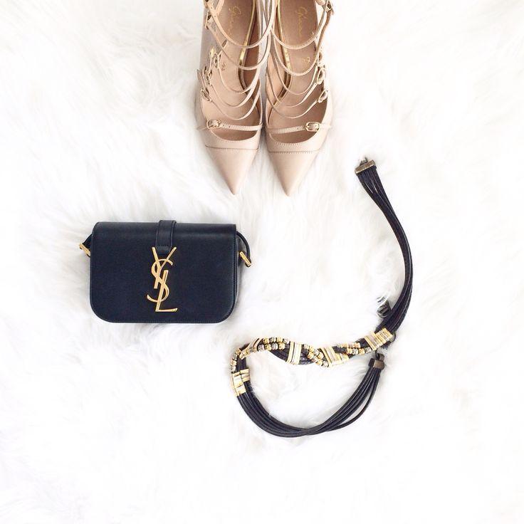 #flatlay #ysl # vintage #pumps #fashionblogger #fashion #fifideluxe