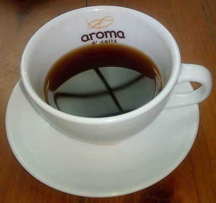 """A R O M A  D I  C A F F É  """"Necesitas una taza de café o una taza del mejor café?. Disfruta de los variados métodos de extracción que tenemos para ti #Espresso #AeroPress #Turco #Moka y #PrensaFrancesa o #FrenchPress exclusivo de #AromaDiCaffé"""".  .  Visítanos de lunes a sábados de 8:00 a.m - 6:00 p.m. . . ............................................. #AromaDiCaffé #GrandesMomentos #SaboresAroma #MomentosAroma #Café #CaféVenezolano #TerceraOla #Barismo #Barista  #Espresso #Coffee #CoffeePic…"""