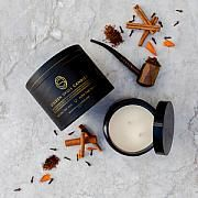 Golden Skull Candles - Tobacco Spice. OBACCO SPICE A complex mix of clove, spiced rum and a hint of tobacco smoke makes this beautifully warm fragrance one that compliments any room. Ladies and gentlemen alike are sure to find this scent evokes memories of a time rich with indulgence.
