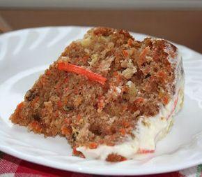 Gâteau aux carottes,aux ananas et aux noix avec son glaçage au fromage à la crème parfumé à l'ananas