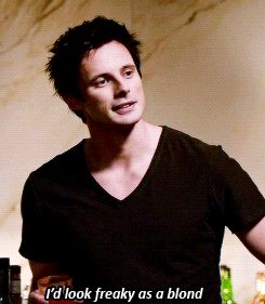 Bradley James on izombie. Laughing at the irony of this part
