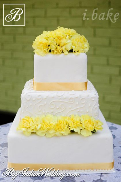 i.Bake square-shaped wedding cake