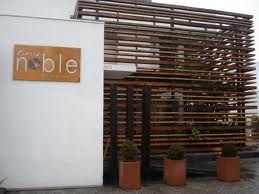 Fachadas de restaurantes pesquisa google comercial for Fachadas de restaurantes modernos