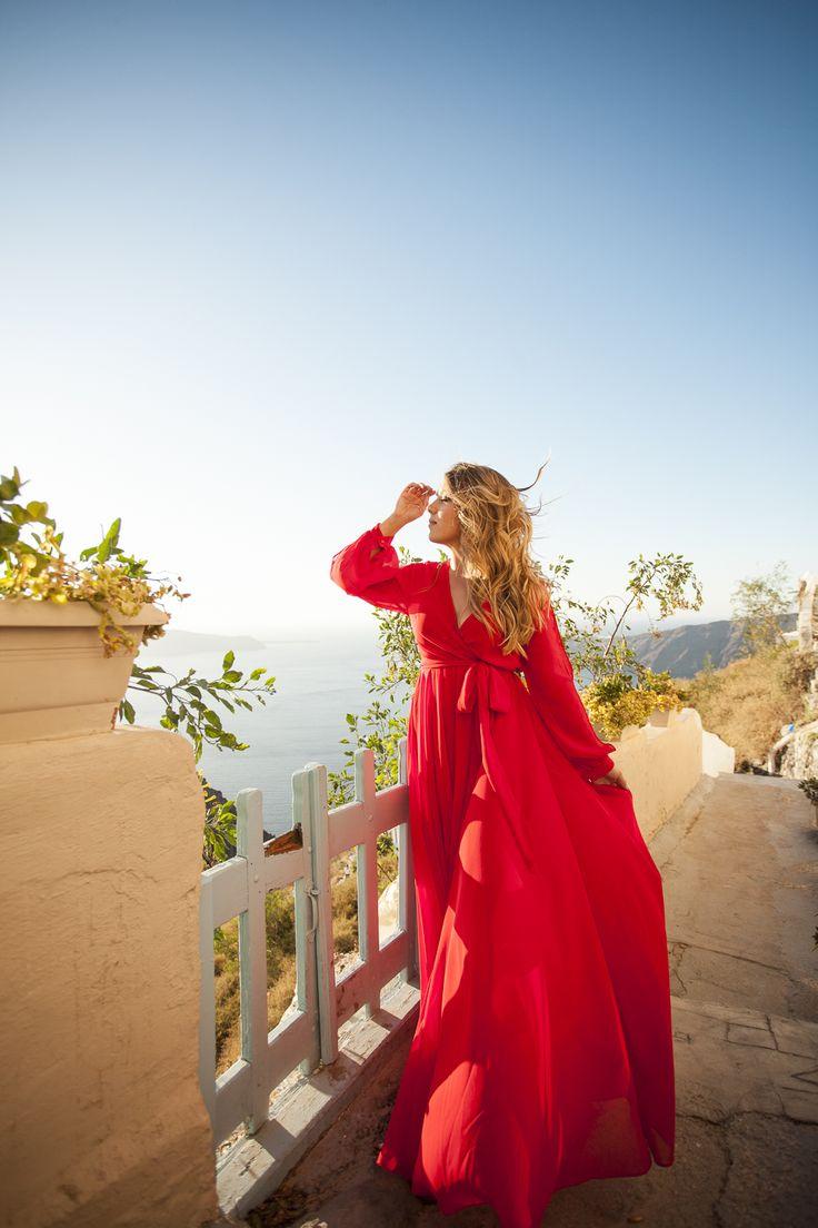 #santoriniphotographer #santorini #portrait