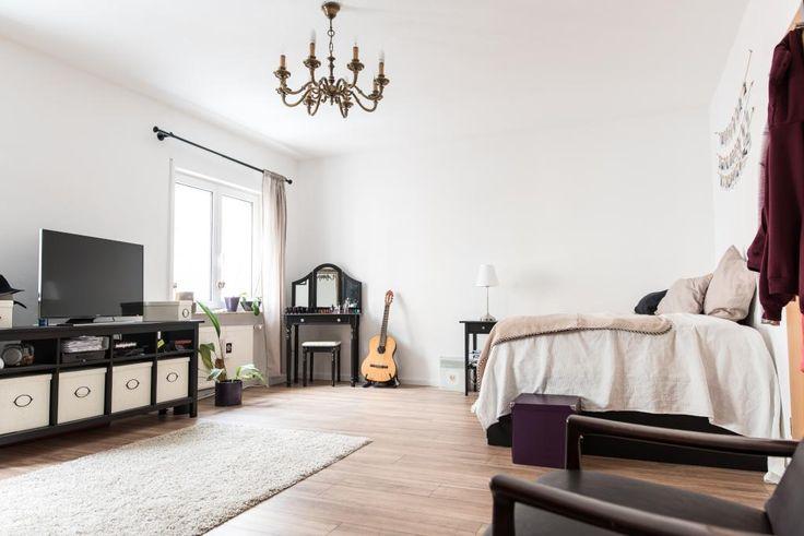 Großes Zimmer mit Gitarre in perfekter Lage - WG Zimmer in Nürnberg-Maxfeld