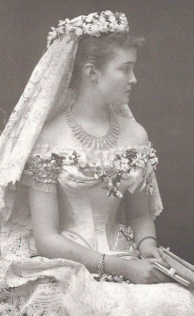 vintage everyday: Victorian Wedding Fashion – 27 Stunning Vintage Photos of Brides Before 1900