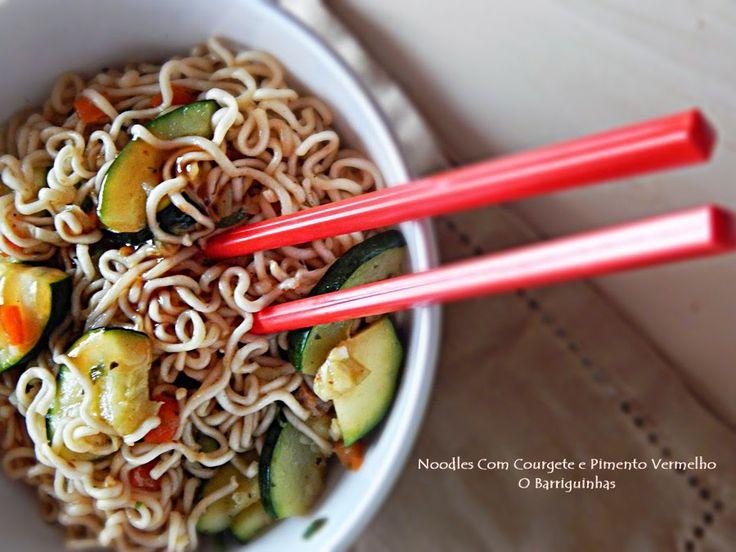 Noodles com Courgete e Pimento Vermelho