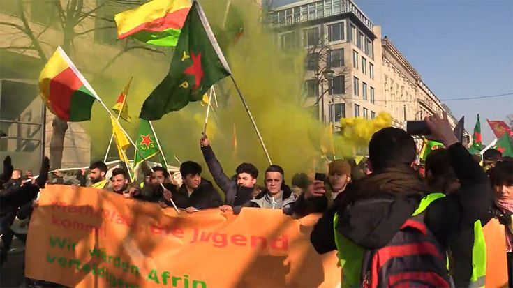 Thousands of demonstrators have taken to the streets of Berlin to protest against 'Operation Olive Branch' in Afrin, Syria, which was launched by Turkey in January. Some of the protesters were seen clashing with police.