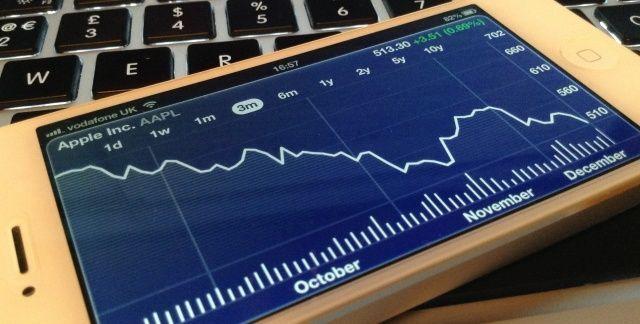 Las acciones de Apple siguen cayendo, a la espera de un revulsivo