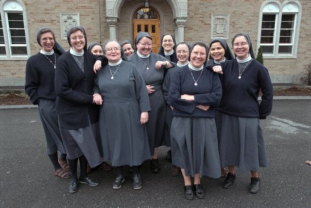 The nuns of the Daughters of St. Paul in Brookline, Massachusetts by Michele.oliveira82, via Flickr