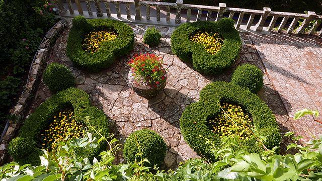 Heart Garden Terrace at hotel Villa le Barone Tuscany