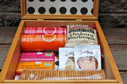 Midnight snack box for the guest room in your house, because how many times have you been up late or up early, starving, but no one who lives there is up yet!