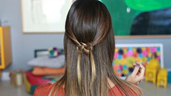 Passo a passo: penteado meio preso com nó celta