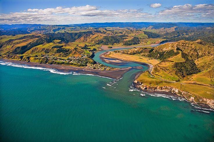 Mokau, The North Taranaki Bight,  see more at New Zealand Journeys app for iPad www.gopix.co.nz