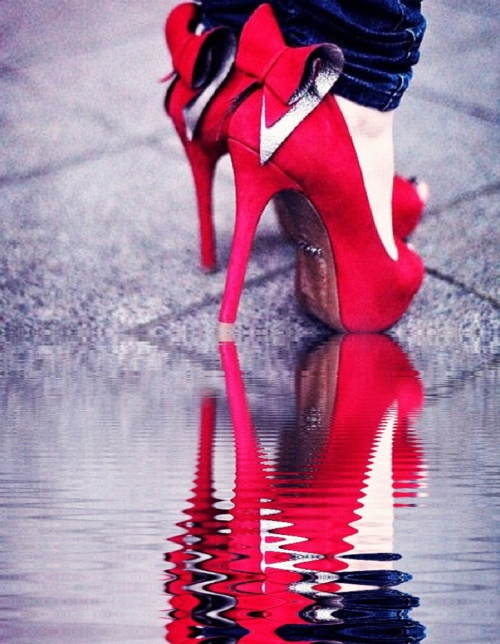 shoes with bows: Cute High Heels, Favorite Shoes, Red Shoes, Shoes Darling, Sexy High Heels, Ermergerd Shoes, Place, Shoes Shoes
