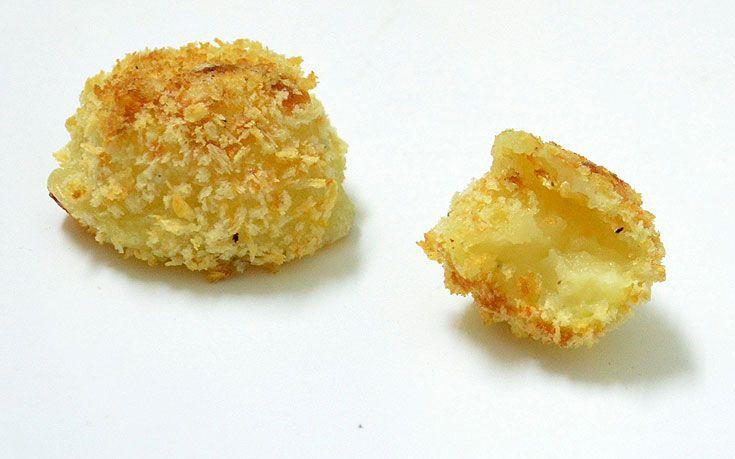 חטיפי תפוחי אדמה וגבינת פרמזן ( צילום: חני הראל )