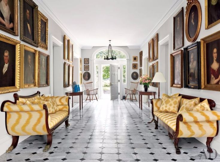 10 Elegant Modern Sofas For A Surprising Entrance Hall | Living Room Set. Living Room Inspiration. #modernsofas #entrancehall #homedecor Read more: http://modernsofas.eu/2016/07/26/elegant-modern-sofas-surprising-entrance-hall/