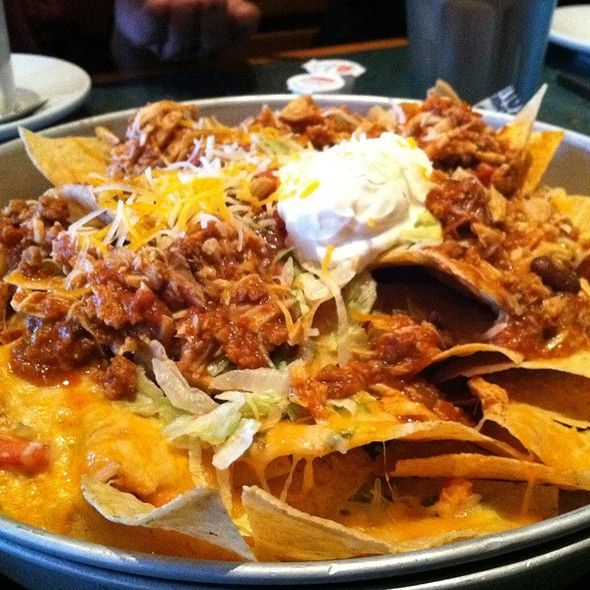 BBQ Chain Restaurant Recipes: BBQ Chicken Nachos